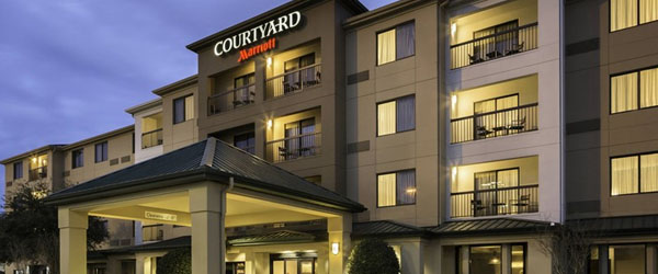 Courtyard by Marriott Dallas Central Expressway to Love Field Airport