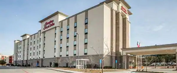 Hampton Inn and Suites Dallas Downtown to Love Field Airport