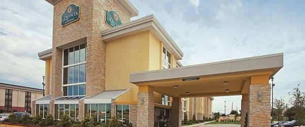 The Walnut Hotel Dallas I35 North to Love Field Airport